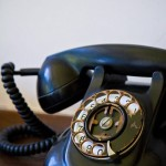 電話のベルは世界中で鳴りひびく【創作の本棚】